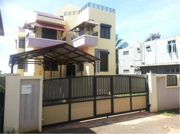 Belle et rare Maison de 265 m² avec sous-sol total de 113 m², Pointe a
