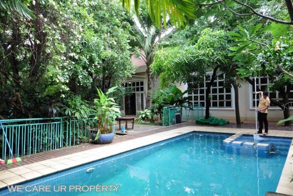Villa with swimming pool for rent
