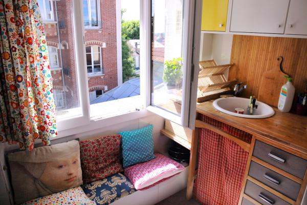 "2 rooms furnished at the metro ""Mairie de Montreuil"""