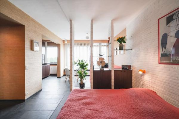Stylish 70s apartment in the heart of Antwerp