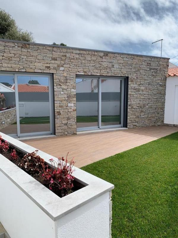 Detached single storey in Cascais