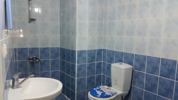 In Şişli private furnished, bright room, balcony 3 Floor,no dep no com