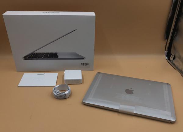 "Apple Macbook Pro 13"" 1.7GHz Core i7-8557U 16GB 512GB A2289 2020"
