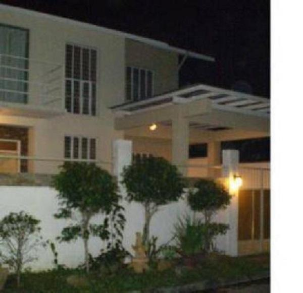 Gated furnished house for rent in Batasan Hills, Quezon City, Phils.