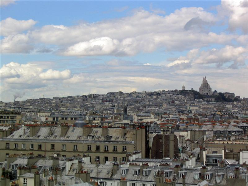Seattleite in Paris Montmartre